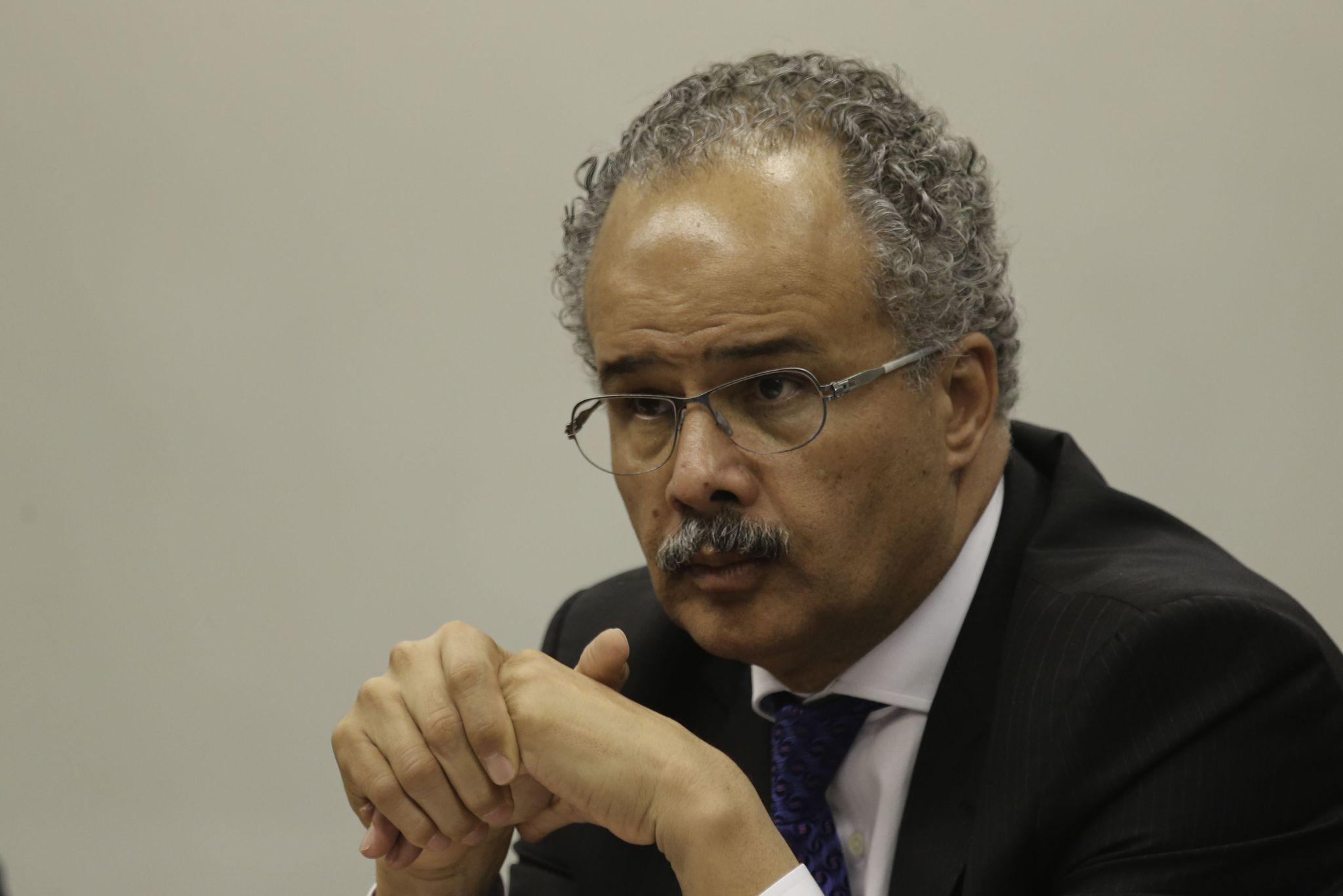 Reunião de votação da Comissão de Reforma Política, deputado Vicente Candido