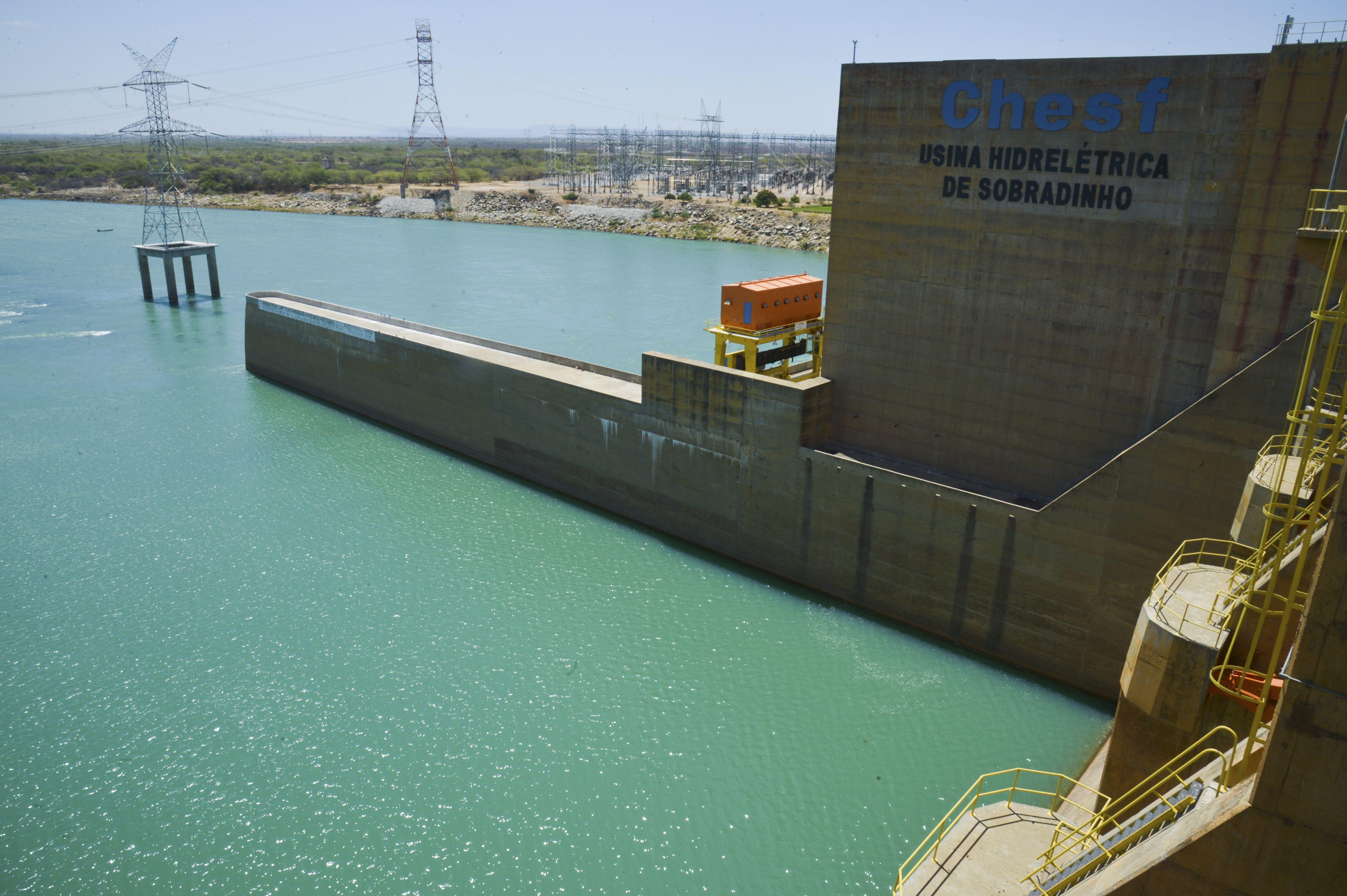Energia - elétrica - Chesf Sobradinho Bahia hidrelétrica reservatório barragem