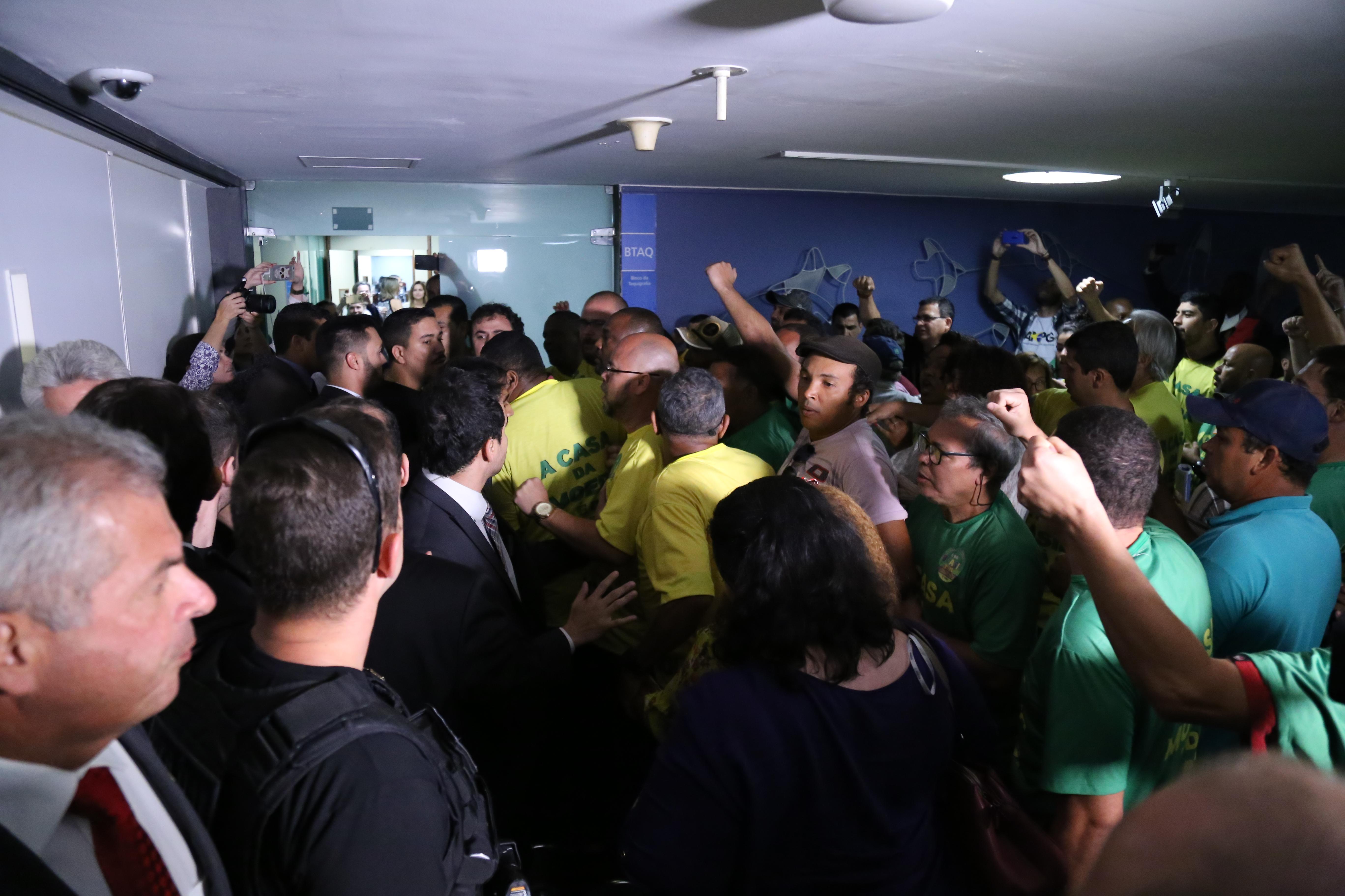Manifestantes Casa da Moeda