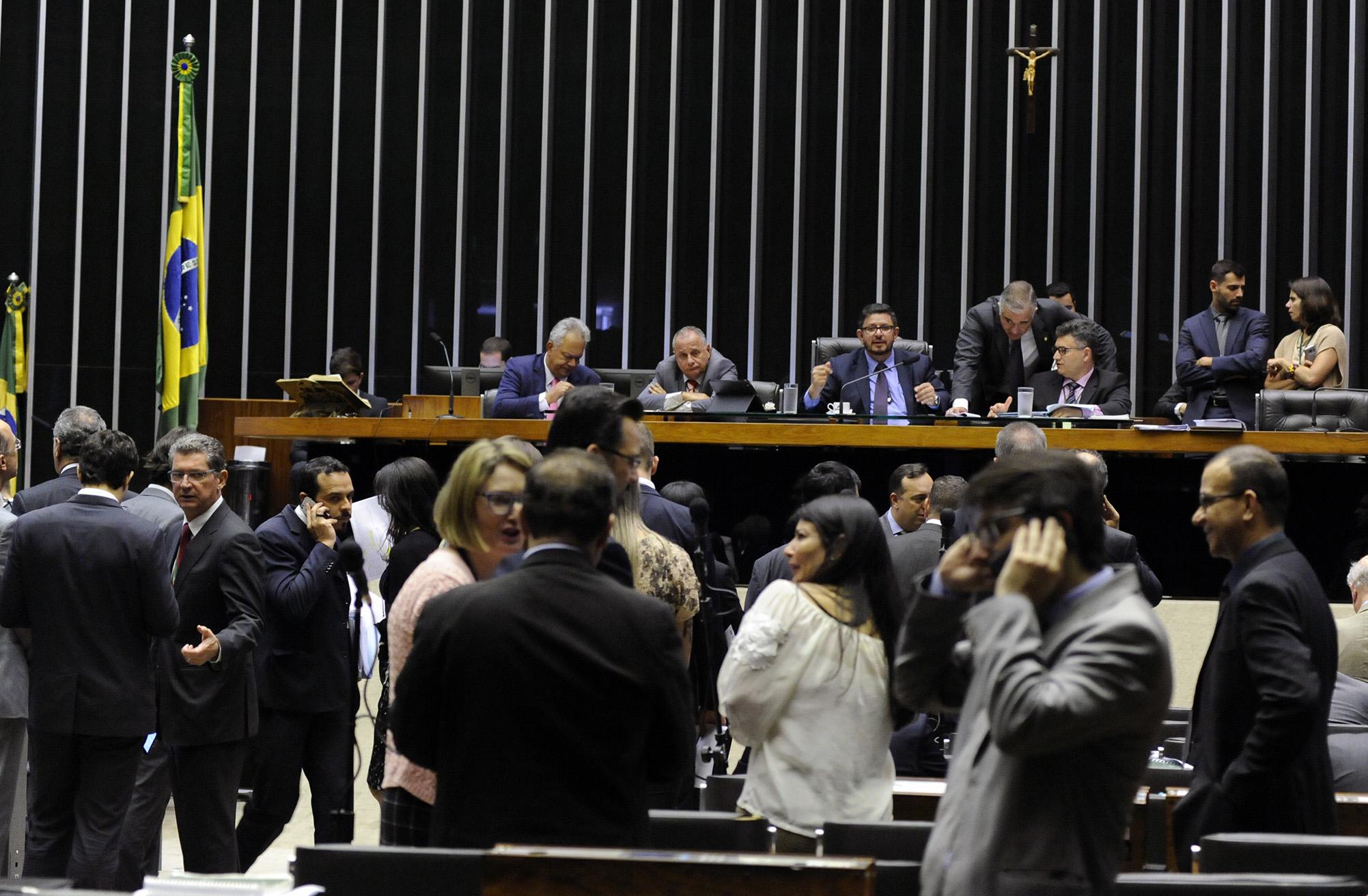 Câmara aprova medida provisória que reformula o Fies