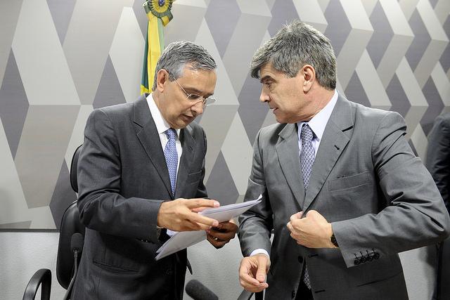 O presidente da comissão mista da MP 806/17, senador Eduardo Amorim (PSDB-SE), e o relator, deputado Wellington Roberto (PR-PB)
