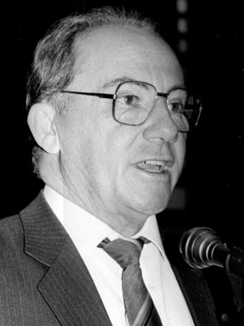 Foto do(a) deputado(a) TAPETY JÚNIOR