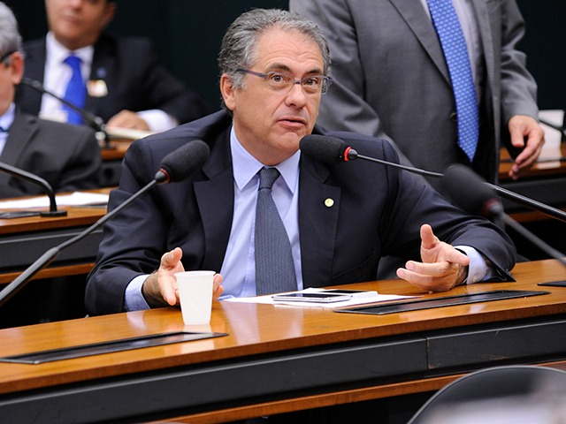 Foto do(a) deputado(a) Carlos Zarattini