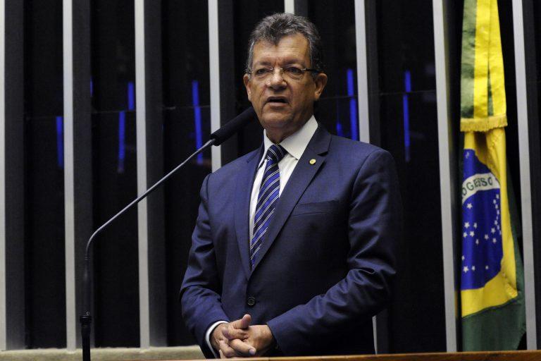 Homenagem aos Trinta Anos da Federação Nacional das Empresas de Segurança e Transporte de Valores - Fenavist. Dep. Laercio Oliveira (PP - SE)