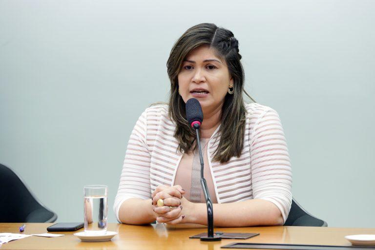 Secretaria da Mulher Eleição da nova coordenadora e as três coordenadoras-adjuntas da Bancada Feminina e da nova Procuradora e as três Procuradoras-Adjuntas da Mulher. Dep. Aline Gurgel (PRB - AP)