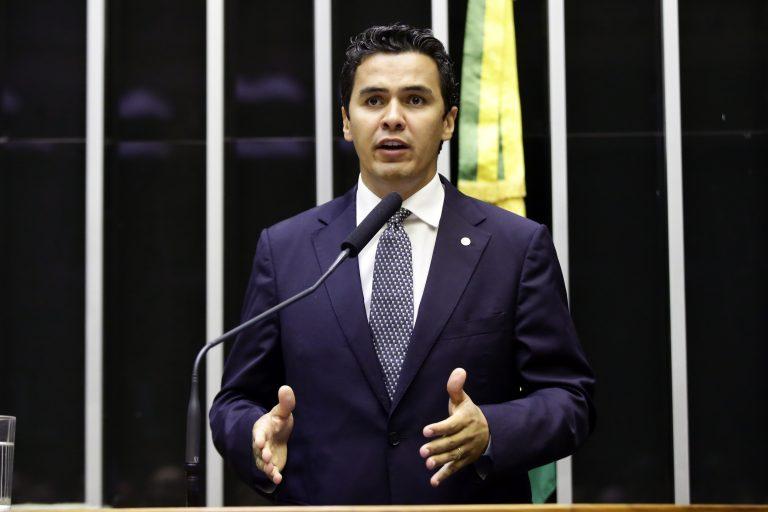 Câmara rejeita salário-maternidade de micro empresas pago pelo INSS