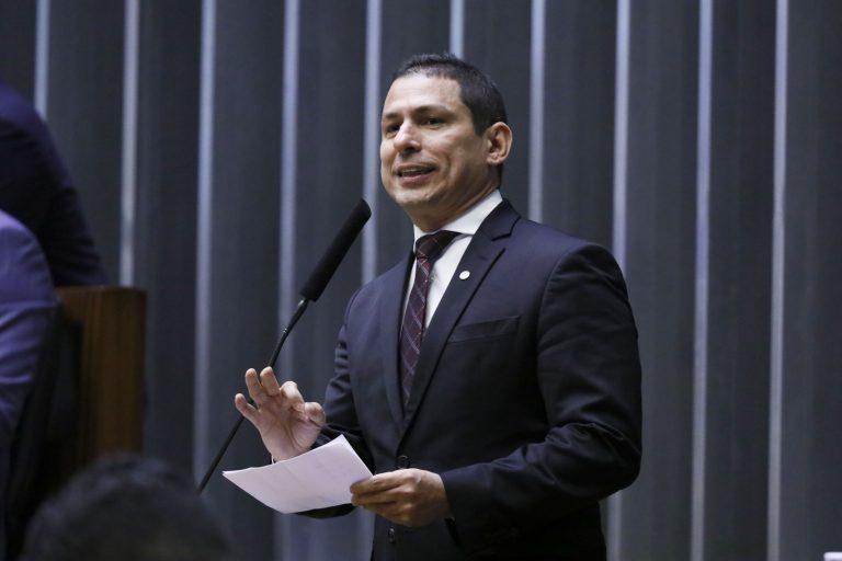 Governo apresenta até o fim do mês sugestões de mudanças no Imposto de Renda
