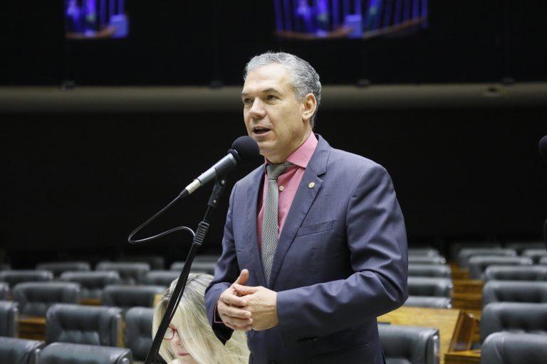 Ordem do dia para discussão e votação de diversos projetos. Dep. Zé Silva (Solidariedade-MG)