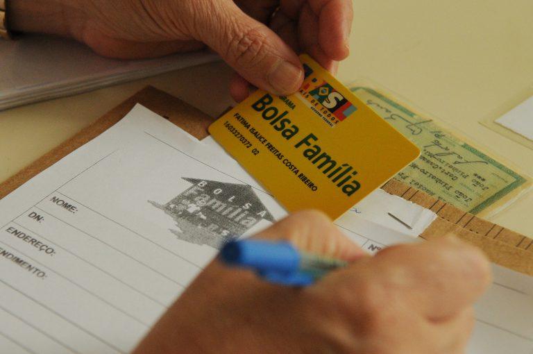 Assistência Social - geral - Bolsa Família programas assistenciais