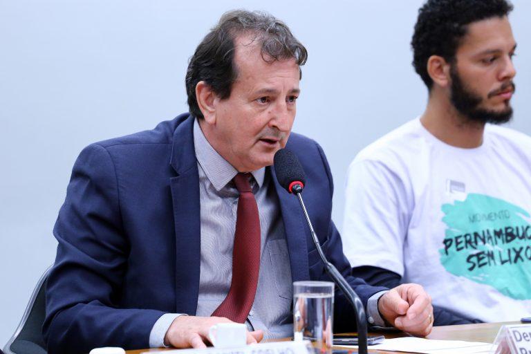 """Audiência Pública - Tema: """"Discussão do Vazamento de Petróleo no Litoral Nordeste"""". Dep. Nilto Tatto (PT - SP)"""