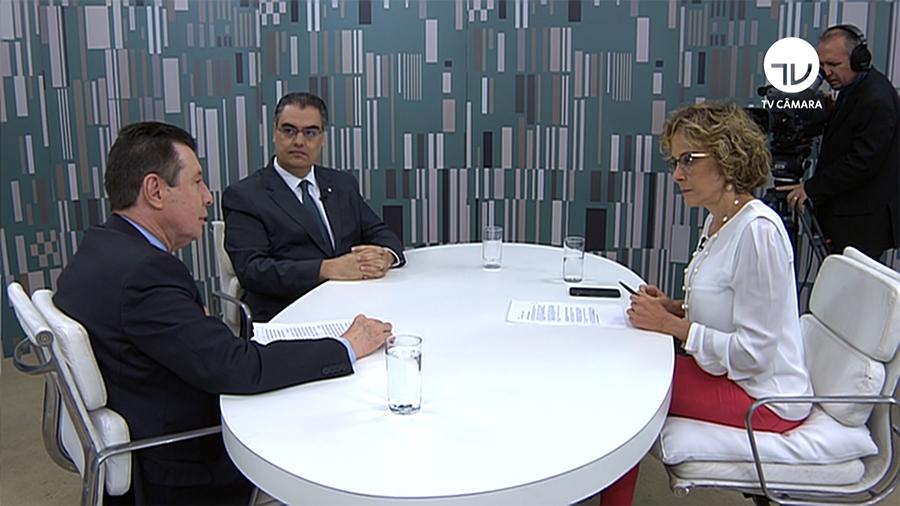 Deputados debatem elaboração do Código Brasileiro de Energia Elétrica