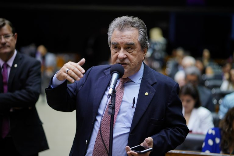Homenagem e Premiação dos Servidores da Câmara dos Deputados. Dep. Célio Moura (PT-TO)