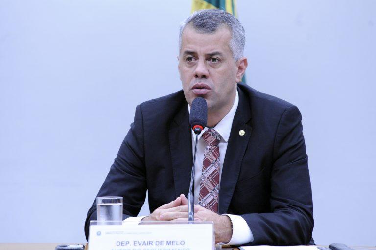 """Audiência Pública - Tema: """"Desenvolvimento da profissão de bombeiro civil"""". Dep. Evair Vieira de Melo (PP-ES)"""
