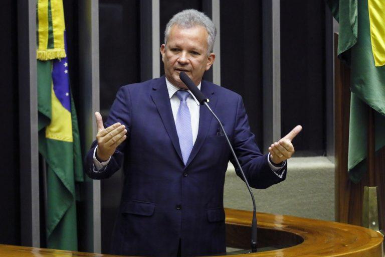 Ordem do dia para discussão e votação de diversos projetos. Dep. André Figueiredo (PDT - CE)