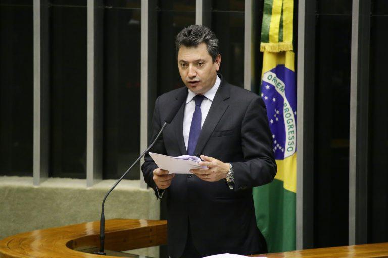Ordem do dia para discussão e votação de diversos projetos. Dep. Sergio Souza (MDB - PR)