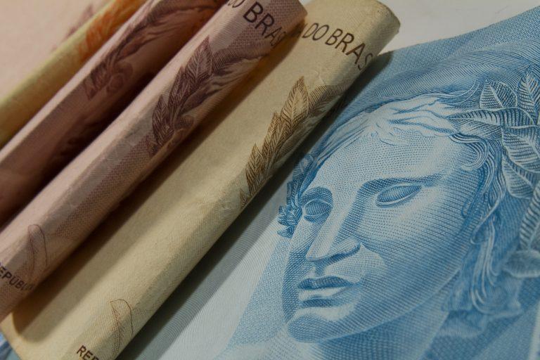 Economia - Dinheiro - superavit recursos verbas inflação orçamento