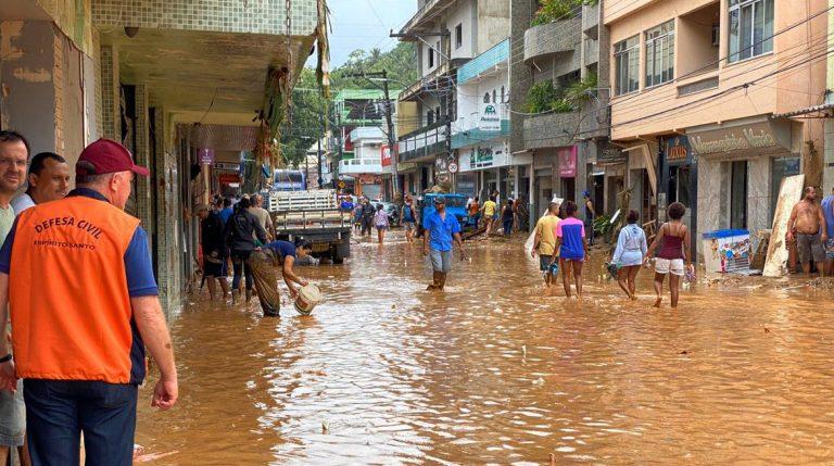 Cidades - catástrofes - tragédias enchentes (Enchente no sul do Espírito Santo, 20/1/20)