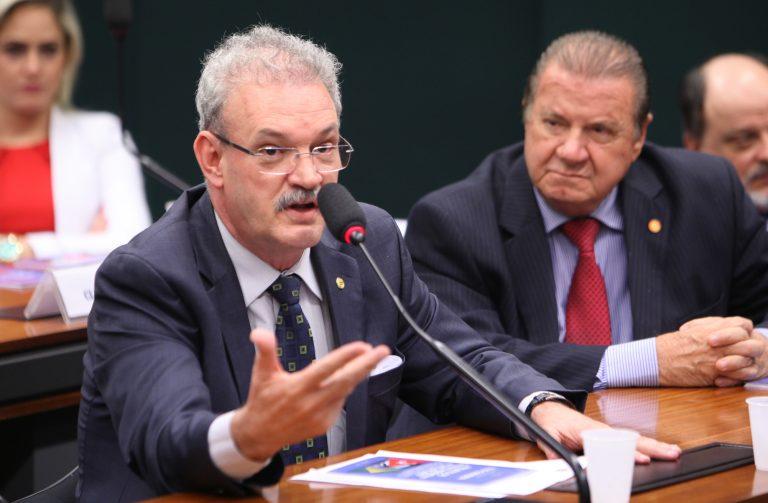 Audiência pública sobre o estado atual da demanda por Revalidação de Diplomas de Medicina. Dep. Geraldo Resende (PSDB-MS)