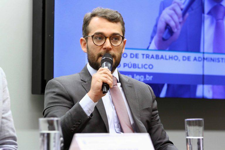 Audiência Pública - Tema: Demissão de professores por faculdades e universidades privadas em SP. Procurador do Ministério Público do Trabalho (MPT), Márcio Amazonas de Andrade