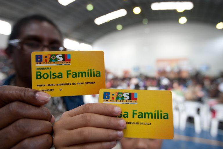 Assistência Social - geral - Bolsa Família crianças desigualdade social políticas públicas transferência renda