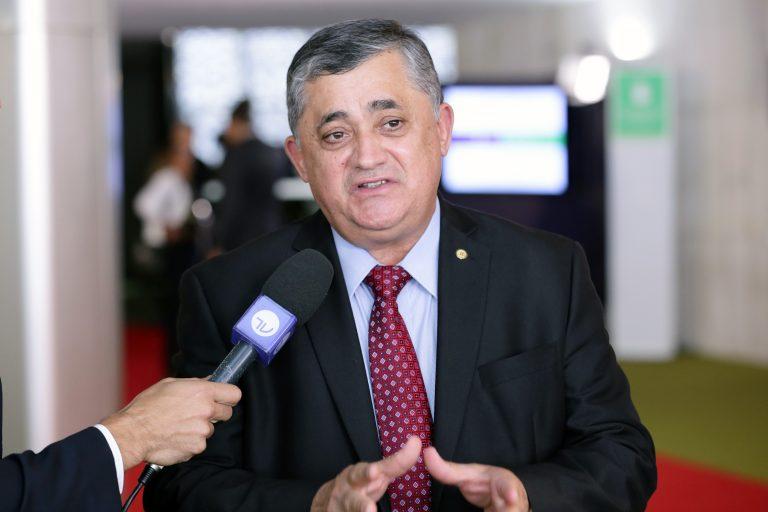 Parlamentares chegam para a sessão de inauguração da 2ª Sessão Legislativa Ordinária da 56ª Legislatura. Dep. José Guimarães (PT - CE)