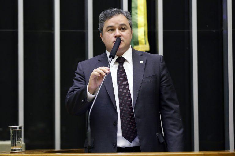 Homenagem ao Dia Livre de Impostos. Dep. Efraim Filho (DEM-PB)