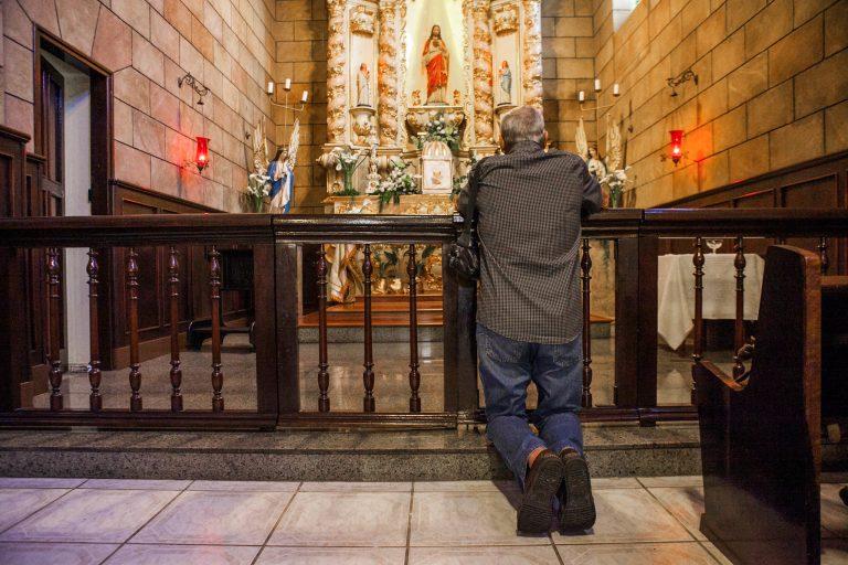 Religião - geral - missa igreja católica fiel fé devoção religiosidade (Festa do Bom Jesus em Bom Jesus dos Perdões-SP)