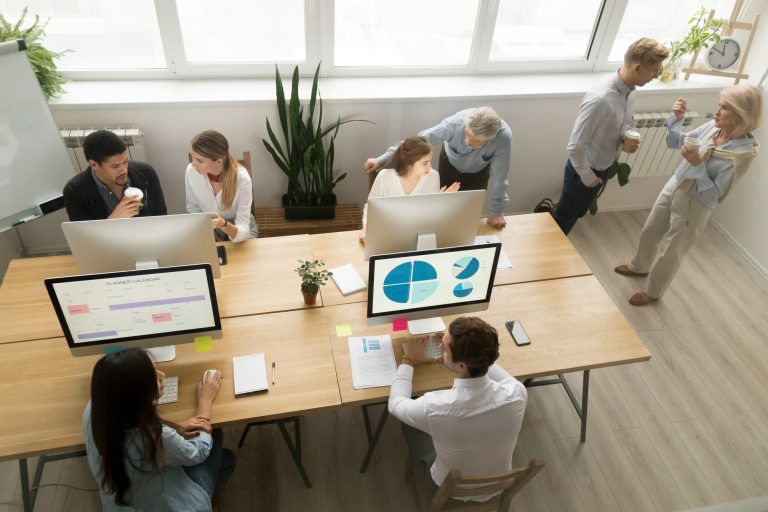 Trabalho - geral - mercado emprego trabalhadores executivos startups empresas
