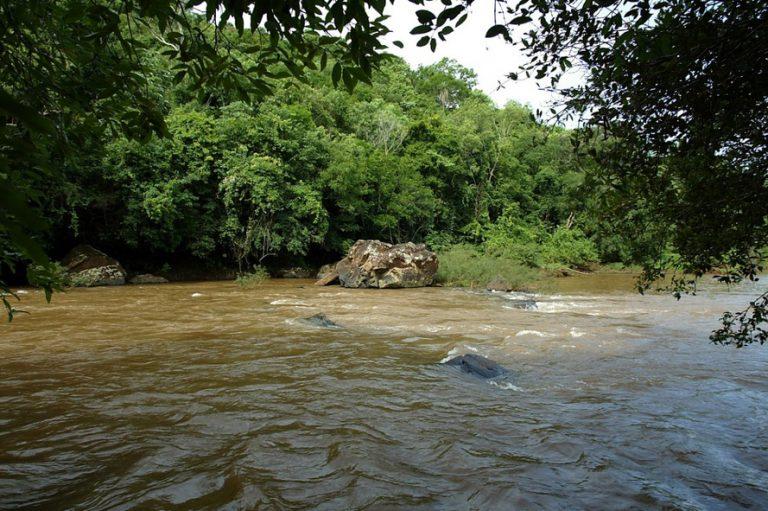 Meio Ambiente - água rios bacias hidrográficas (rio Piquiri, Paraná)