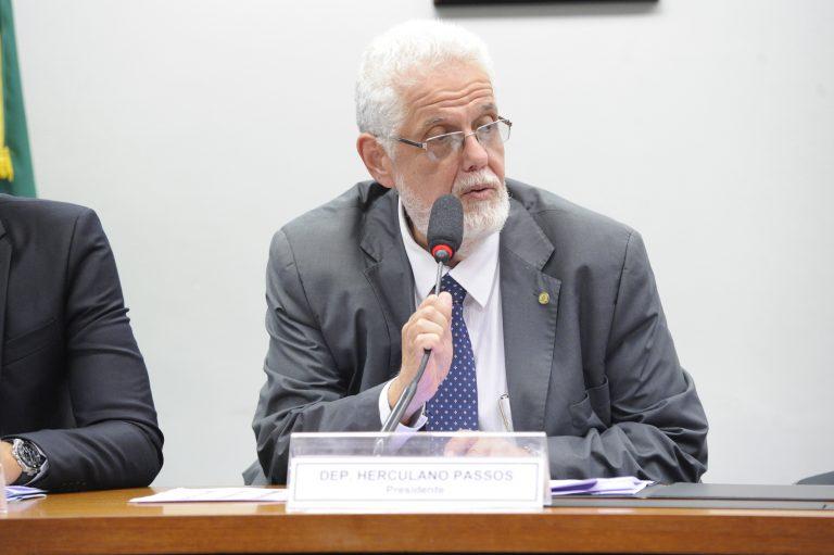 """Audiência Pública """"O derramamento de óleo em municípios da Bahia"""". Dep. Jorge Solla (PT - BA)"""