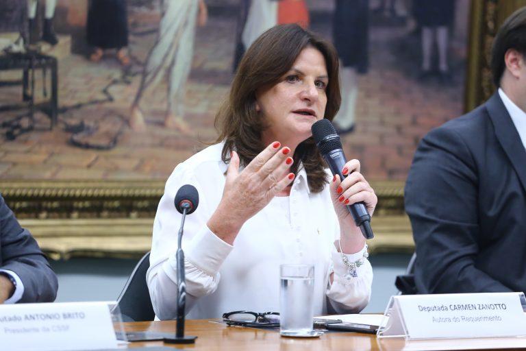 As ações preventivas da vigilância sanitária e possíveis consequências para o Brasil quanto ao enfrentamento da pandemia causada pelo coronavírus. Dep. Carmen Zanotto (CIDADANIA - SC)