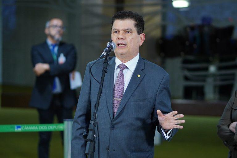 Dep. Mauro Benevides Filho (PDT - CE), concede coletiva de imprensa sobre as ações de combate ao coronavírus