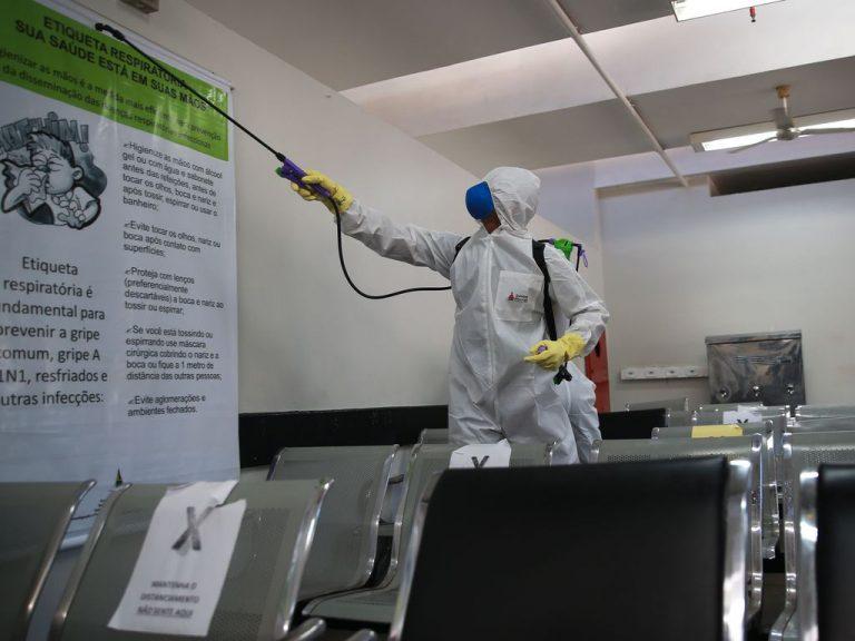 Saúde - doenças - coronavírus Covid-19 hospitais desinfecção prevenção (Forças Armadas fazem descontaminação do HRAN em Brasília)