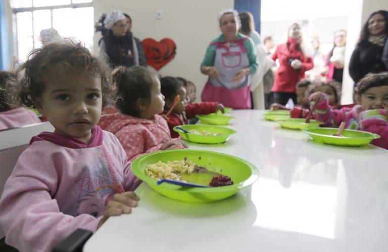 Educação - geral - creches escolas merenda escolar alimentação crianças nutrição