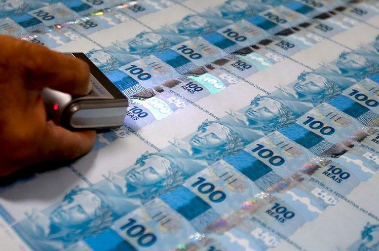 Economia - bancos - Banco Central - dinheiro - papel moeda notas de R$ 100