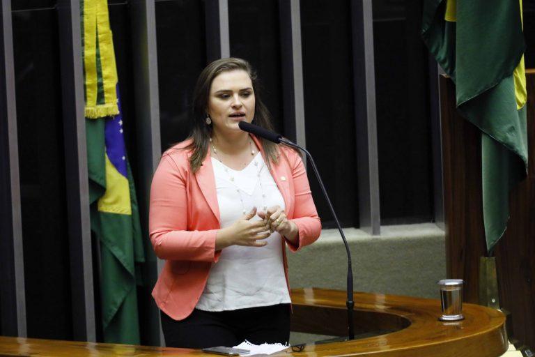 Ordem do dia para discussão e votação de diversos projetos. Dep. Marília Arraes (PT - PE)