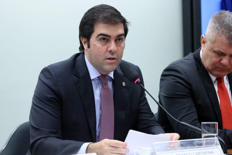 Audiência Pública - Tema: Debate sobre o PL 3515/2015. Dep. Franco Cartafina (PP-MG)