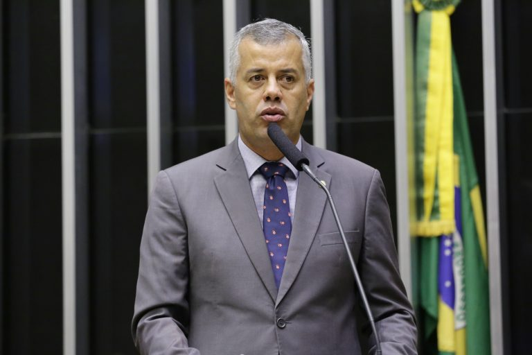 Ordem do dia para discussão e votação de diversos projetos. Dep. Evair Vieira de Melo (PP - ES)