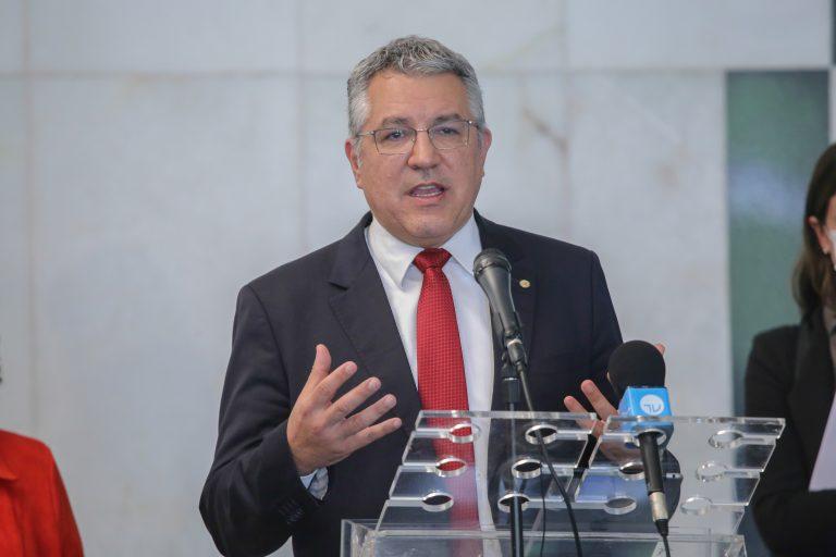 Projeto de Renda Mínima Emergencial da Oposição. Dep. Alexandre Padilha (PT-SP)