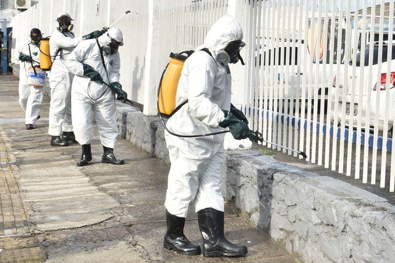 Saúde - doenças - coronavírus combate pandemia epidemia (higienização de ruas em Salvador-BA)