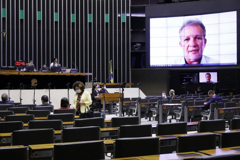 Ordem do dia para votação de propostas legislativas. Dep. André Figueiredo (PDT - CE)