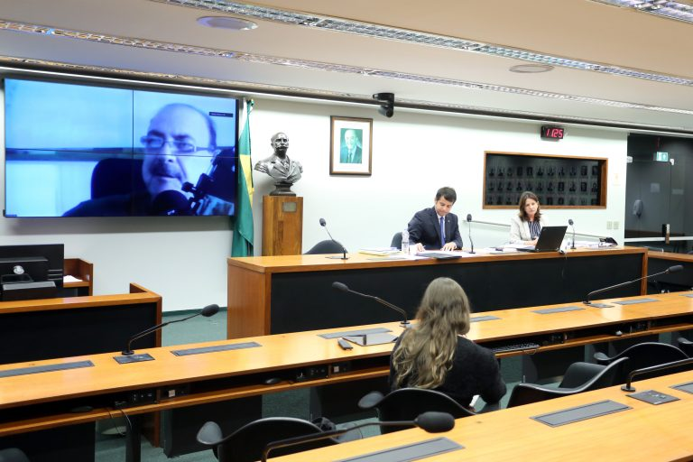 Comissão Externa destinada a acompanhar ações preventivas da vigilância sanitária e possíveis consequências para o Brasil quanto ao enfrentamento da pandemia causada pelo coronavírus - Reunião Técnica. Dep. Dr. Zacharias Calil (DEM - GO)