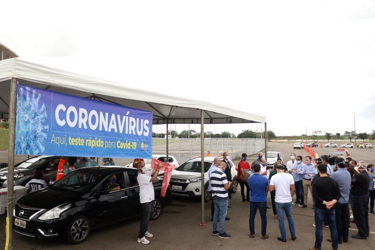 Saúde - doenças - coronavírus Covid-19 pandemia testagem diagnósticos infectados prevenção controle (testes rápidos em Brasília)
