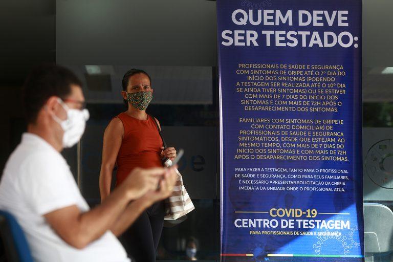 Saúde - doenças - coronavírus Covid-19 pandemia testes diagnósticos prevenção contágio tratamento (centro de testagem em Pernambuco)
