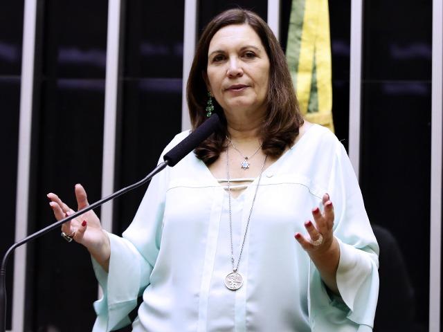 Bia Kicis veio de Resende, interior do Rio de Janeiro, e foi procuradora do DF