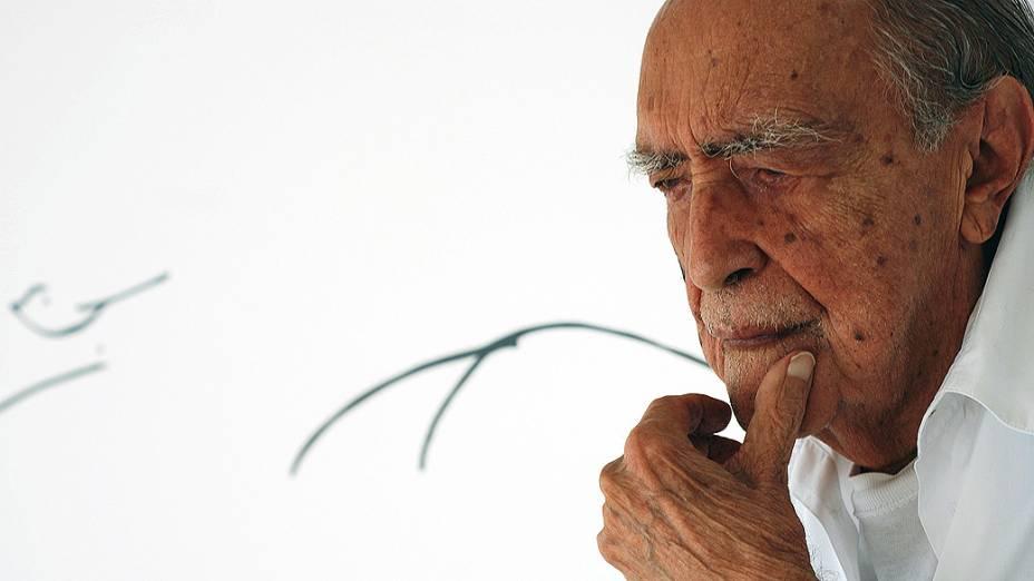 Niemeyer - o traço e o tempo
