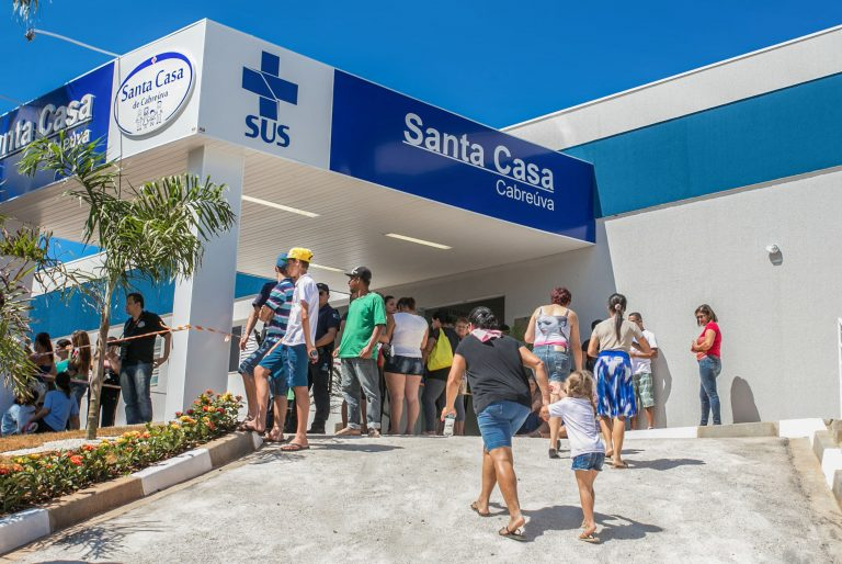 Saúde - hospitais - estrutura hospitalar Santa Casa inauguração