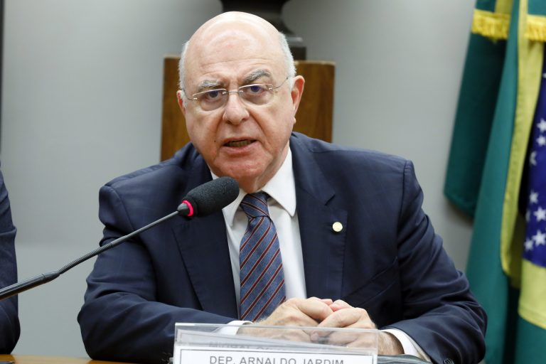 C. E. Parcerias Público Privadas (PL 7063/17) - PPPs, Concessões Públicas e Investimento em Infraestrutura. Dep. Arnaldo Jardim (CIDADANIA-SP)