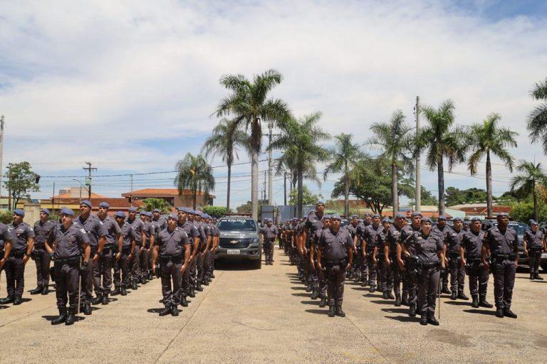 Segurança - policiais - Polícia Militar soldados tropa