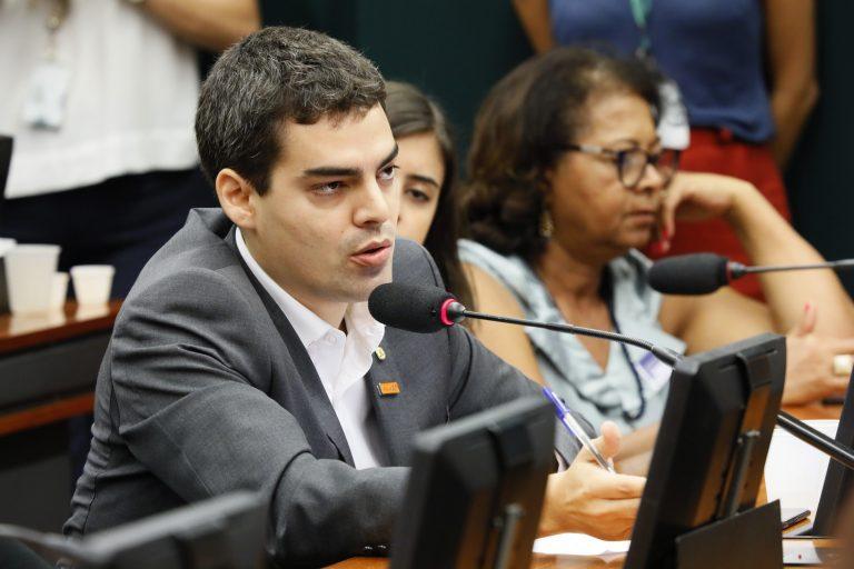 Discussão e votação do parecer da relatora. Dep. Tiago Mitraud (NOVO - MG)